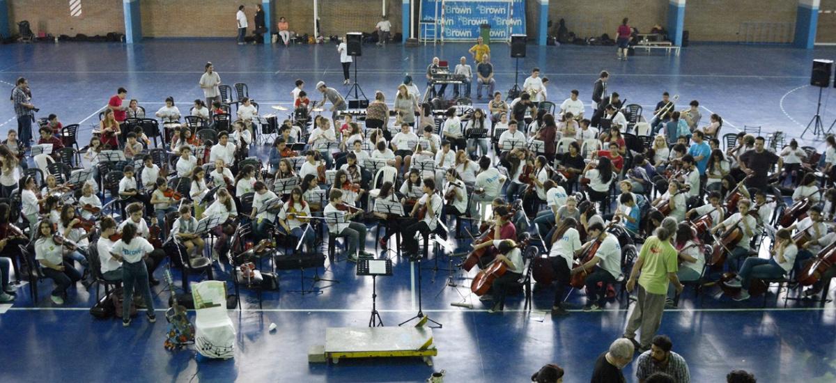 Más de 200 chicos de la región participaron del 1° Encuentro de Orquestas Escuela en Brown