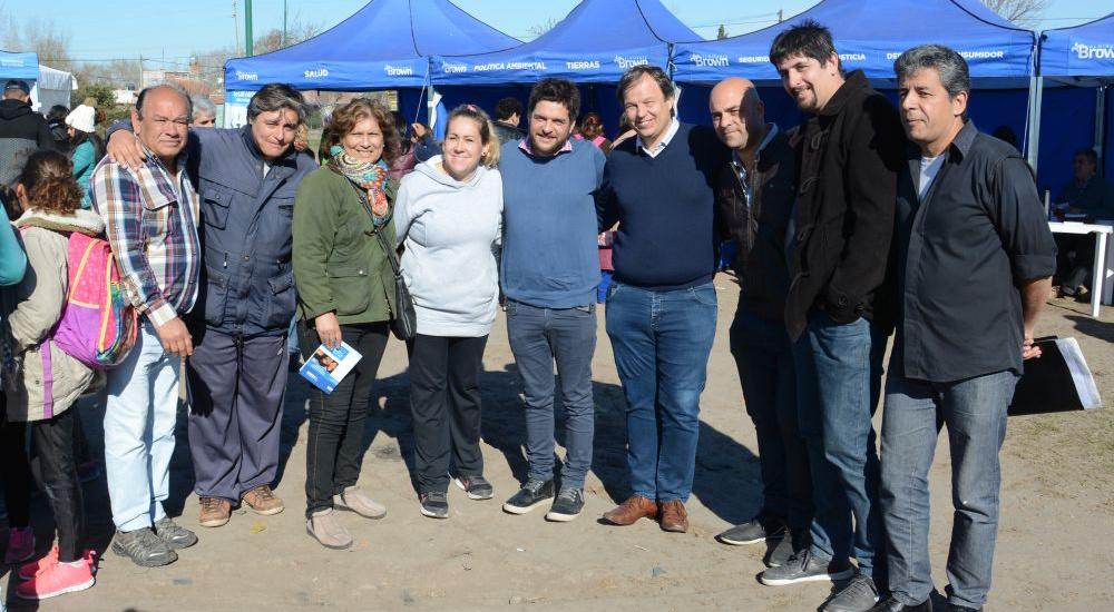 """El municipio brinda servicios en Glew con """"El Estado Presente en tu Barrio"""""""