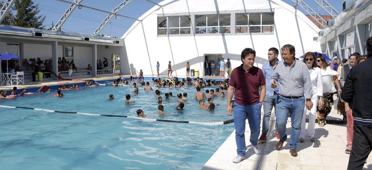 Cascallares visitó a 600 chicos que participan de la colonia y juegos recreativos