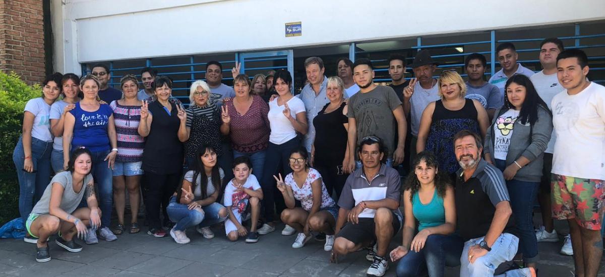 """El programa """"El Municipio presente en las escuelas"""" en Longchamps"""