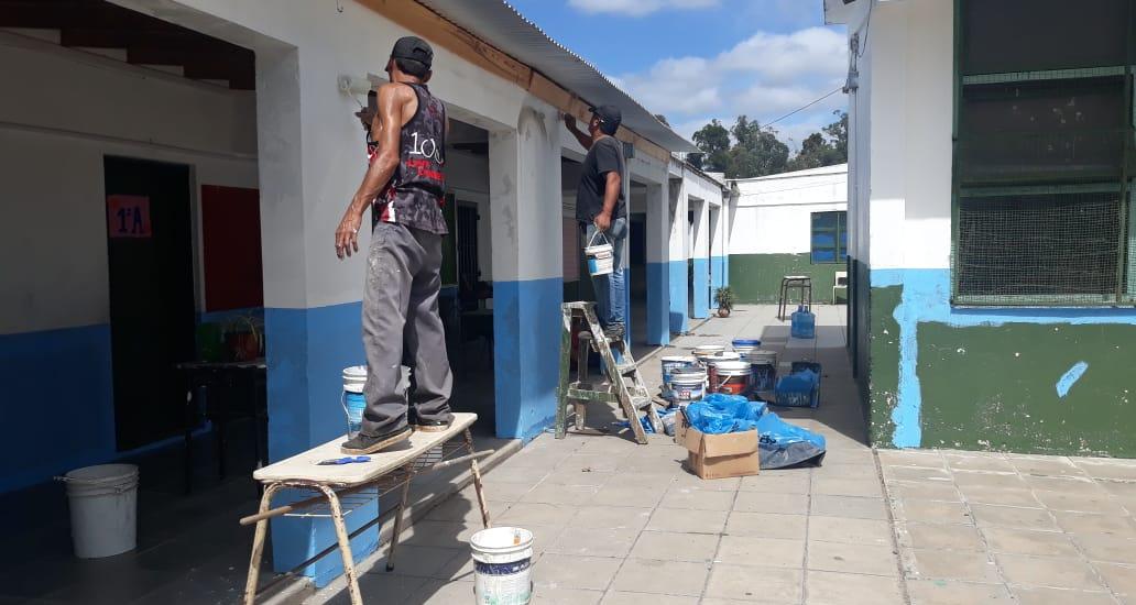 """El programa """"El Municipio presente en las escuelas"""" en Calzada y Ministro Rivadavia"""