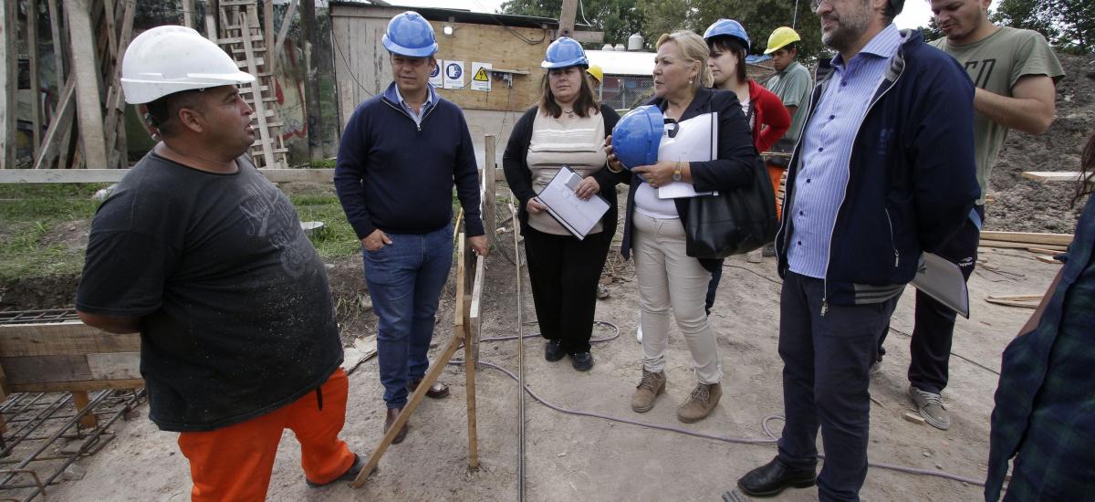 Cascallares recorrió la obra del edificio del Instituto de Formación Docente Nº 41