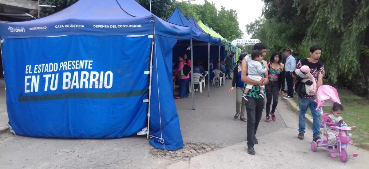El municipio brinda servicios a los vecinos con el Estado Presente en tu Barrio