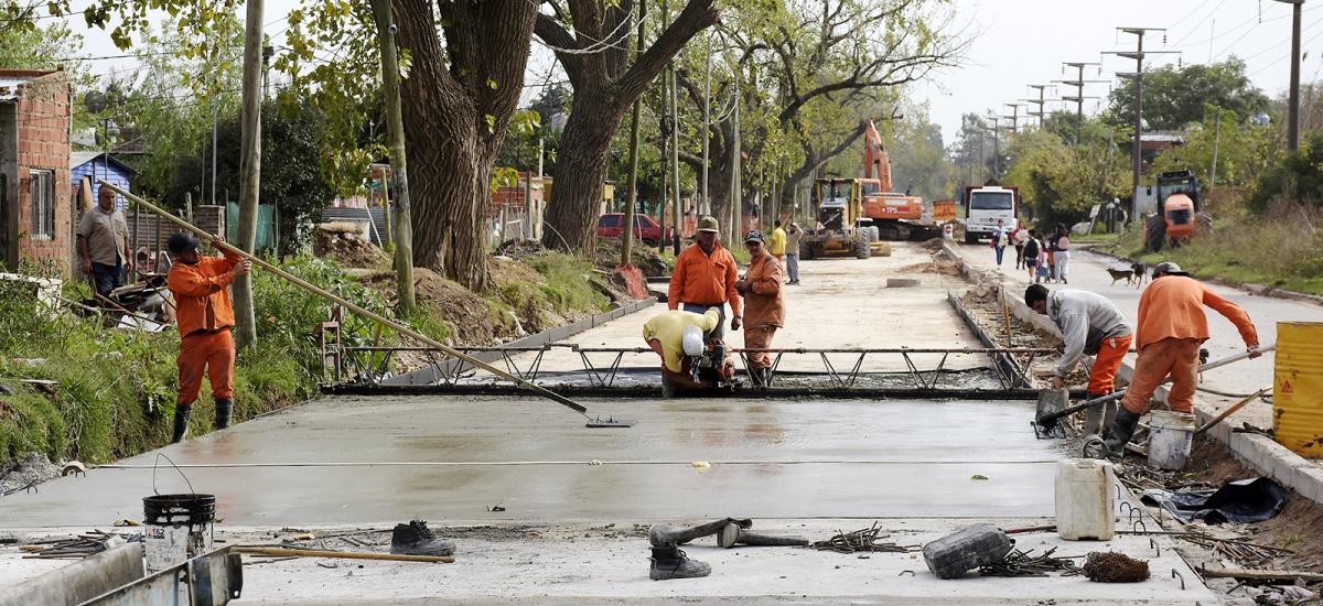 Cascallares destacó las históricas obras de asfalto que se ejecutan en Glew