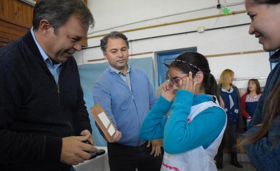 """Cascallares: """"Desde el municipio ya entregamos cerca de 5 mil anteojos a alumnos de sexto año"""""""