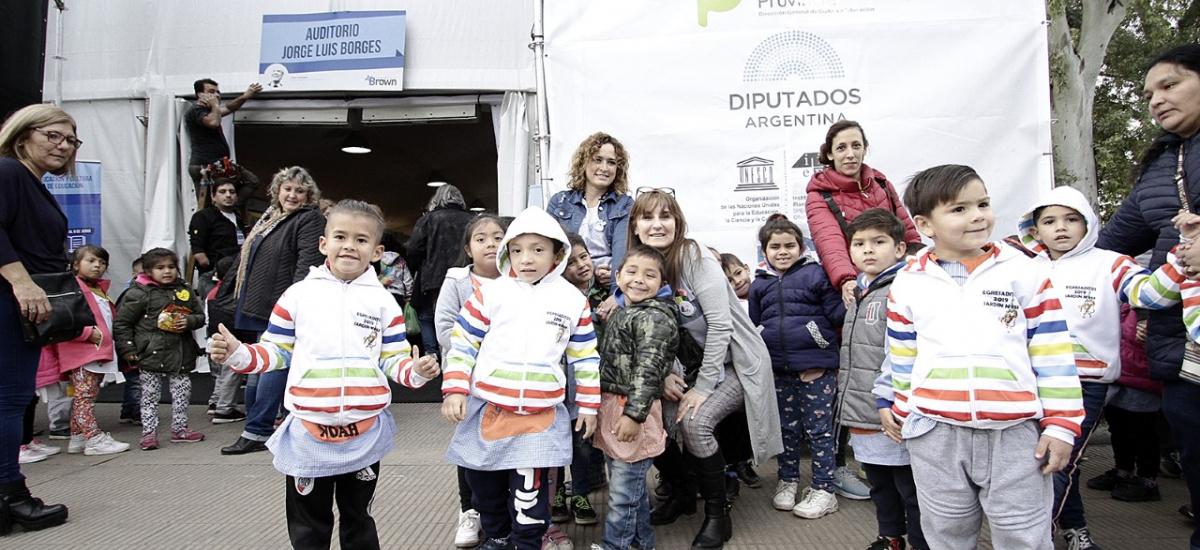 Balmaceda, Pigna, Duggan, Alejandro Dolina y La Bomba de Tiempo en la Cuarta Feria Internacional del Libro de Almirante Brown