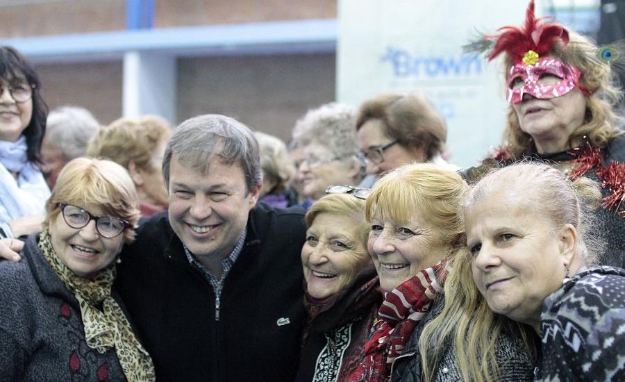 Cascallares celebró el Día de Los Abuelos junto a 1.500 adultos mayores