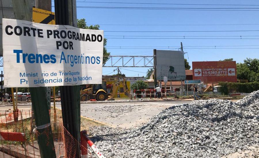 Reclamo del municipio a ferrocarriles argentinos por la obra del paso a nivel de San Martín