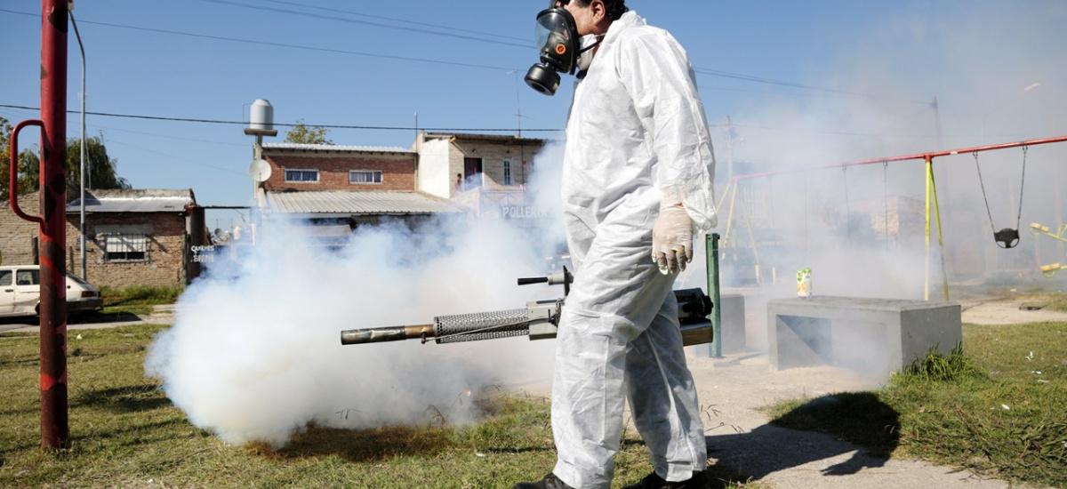 En Almirante Brown profundizan los operativos de fumigación contra el dengue