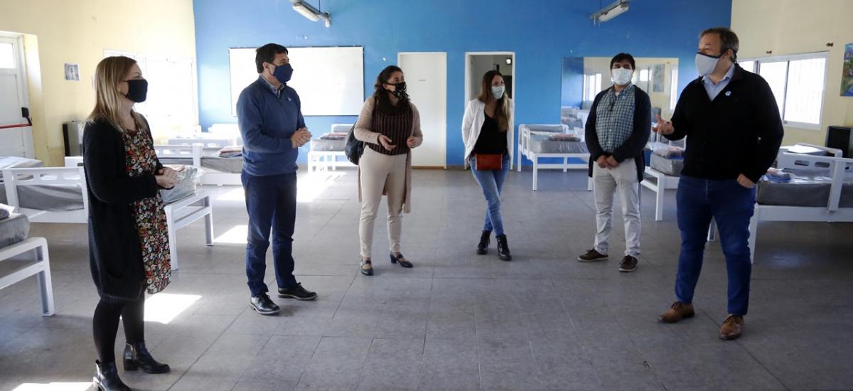 Cascallares y Arroyo recorrieron un centro de aislamiento y un hospital modular en Don Orione
