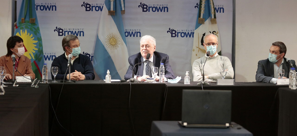 Cascallares encabezó con Ginés González García y Gollán la entrega de equipamiento