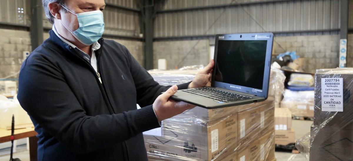 Cascallares encabezó recepción de nuevas netbooks para avanzar en la enseñanza en tiempos de pandemia