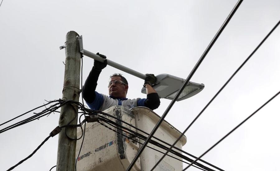 El Municipio avanza con la instalación de luminarias LED en las localidades