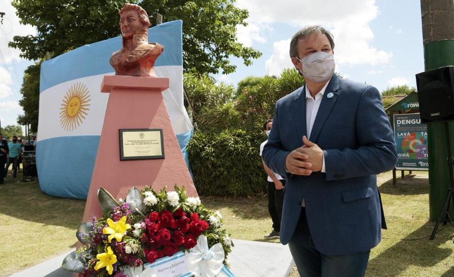 Cascallares descubrió un monumento en homenaje a Juan Manuel de Rosas