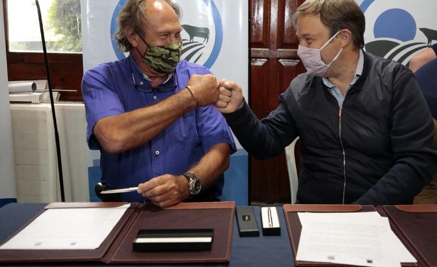 Cascallares firmó convenio con Ciencias Agrarias para el desarrollo de la zona rural