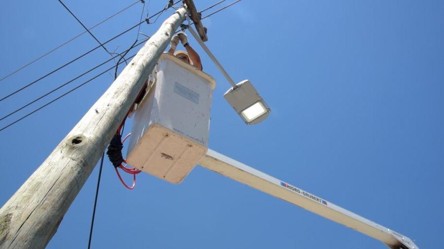 El municipio extiende la instalación de luces led a todas las localidades