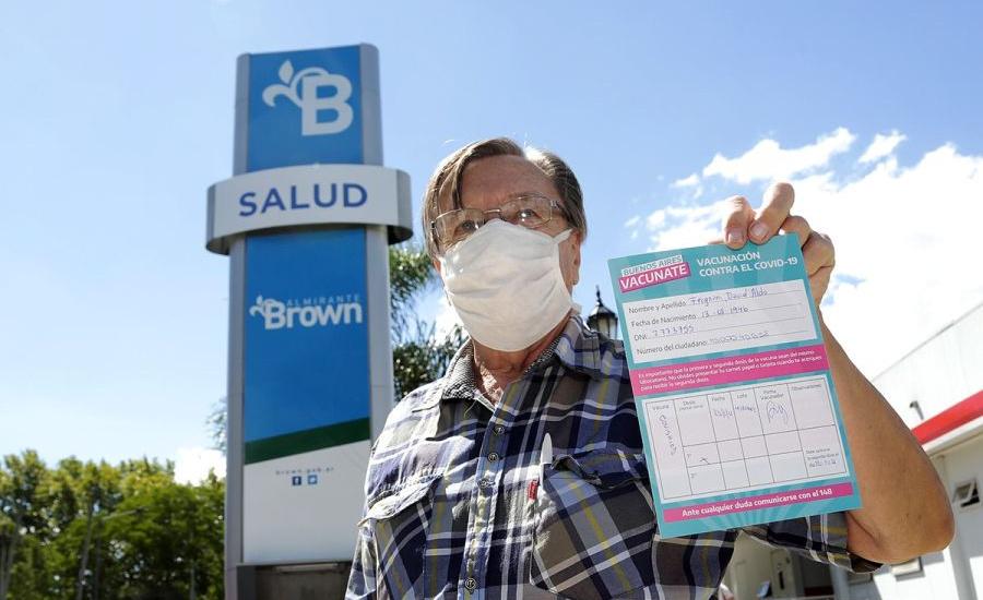 """Convocan a registrarse en """"Buenos Aires Vacunate"""" y vacunarán a personas de 18 a 40 años"""