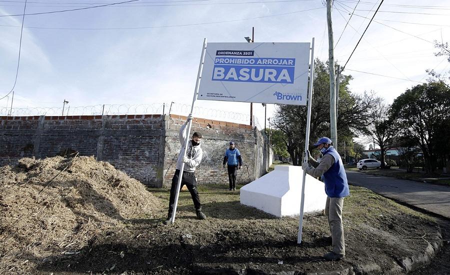 El Municipio transformó en espacios recuperados  a dos microbasurales de  Mármol y Burzaco