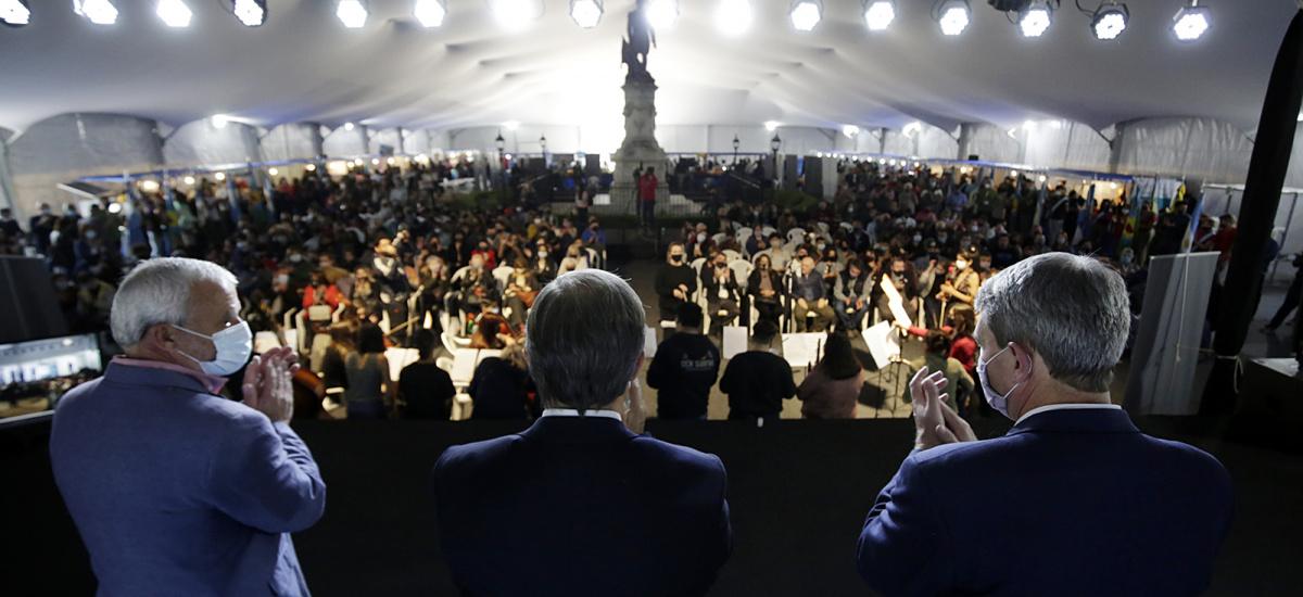 Cascallares y Tolosa Paz junto a escuelas técnicas y anuncio de inversión eductiva