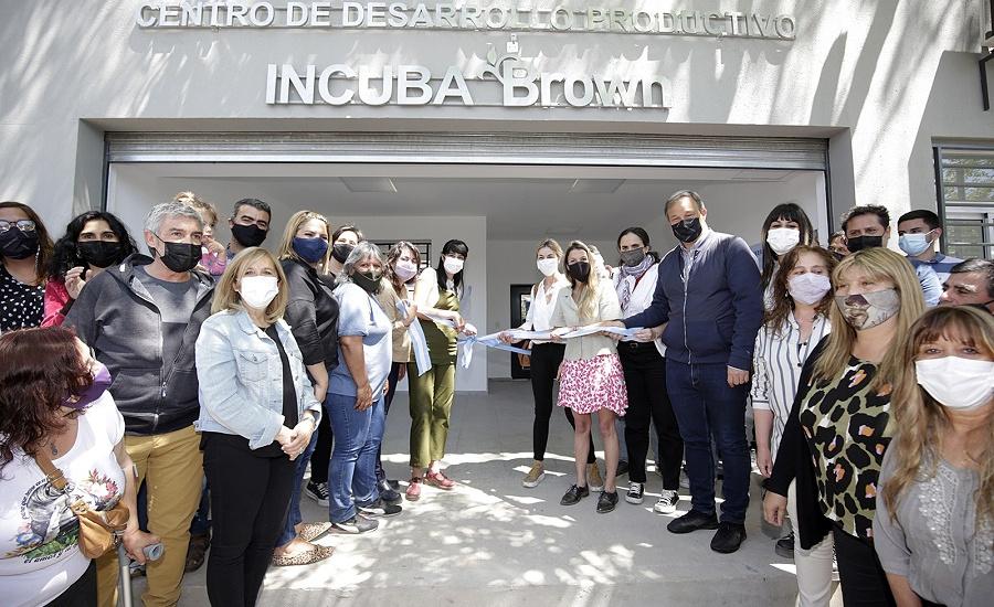 """Cascallares inauguro """"Incuba Brown"""", el primer centro de desarrollo productivo de la Región"""