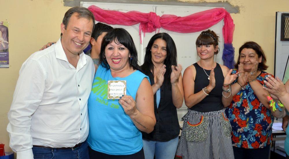 Cascallares participó del cierre de talleres y entrega de diplomas en el CIC de Mármol