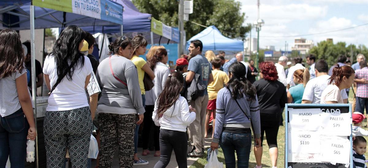 Miles de vecinos de Brown ya aprovecharon las ofertas del mercado en tu barrio