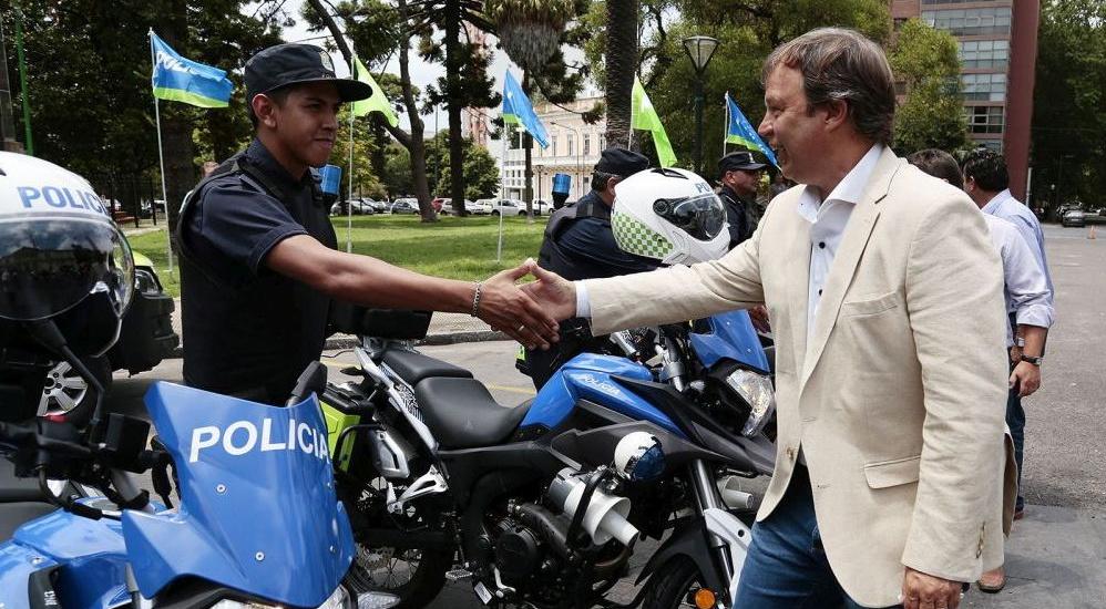 Suman más motos policiales para prevención en Brown