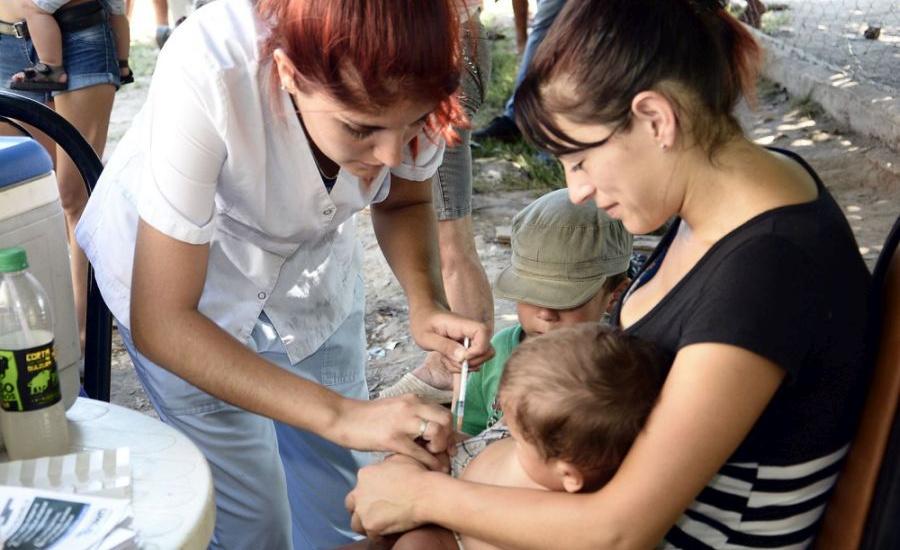 Gripe: convocan en Brown a vacunar a los niños de seis meses a dos años y a embarazadas