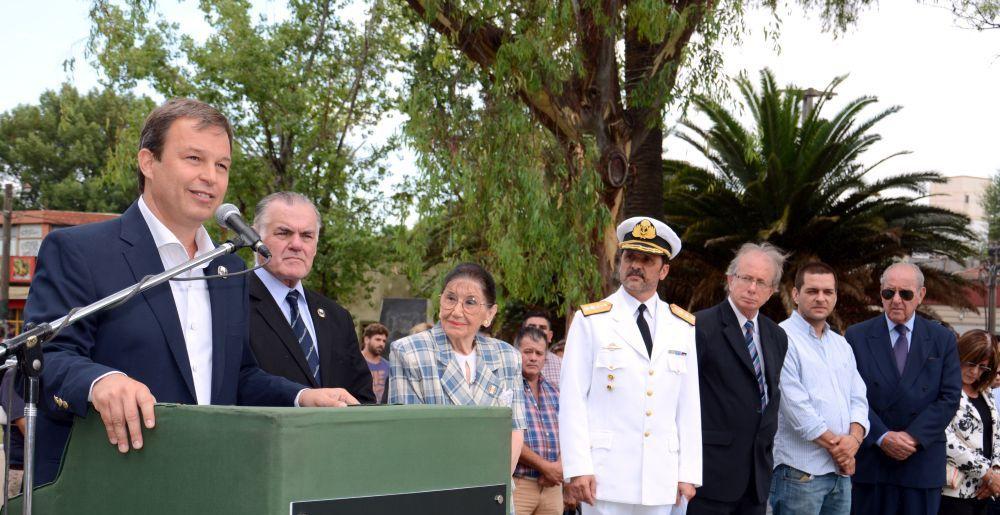 Cascallares recordó al Almirante Guillermo Brown junto a la comunidad e instituciones