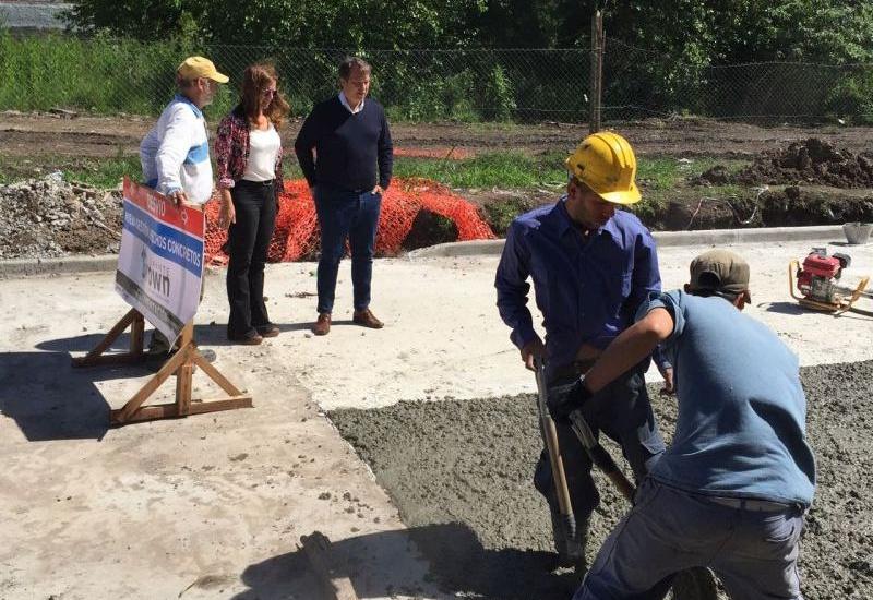 Cascallares recorrió obras de asfalto y bacheo en las localidades