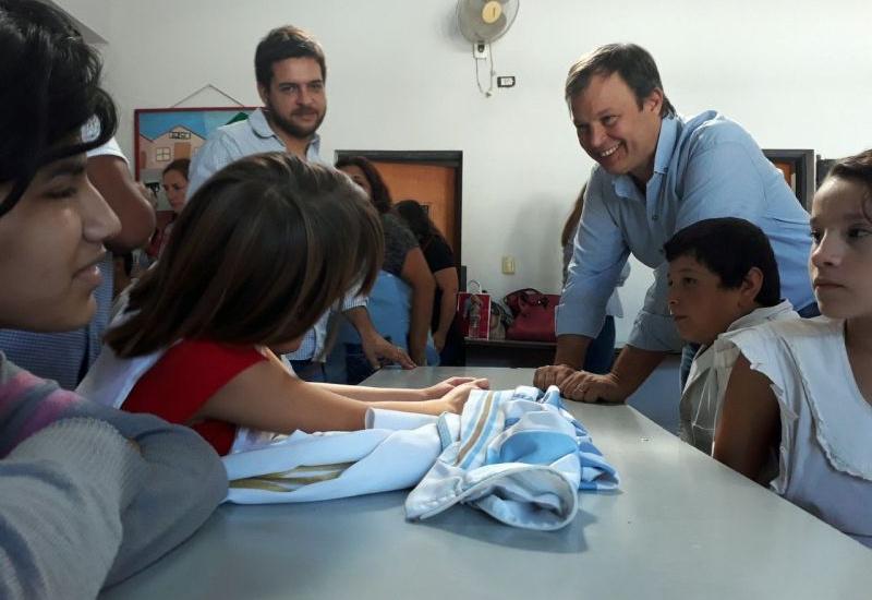 El intendente recorrió las aulas y obras que hizo el municipio en la escuela 503 de Glew