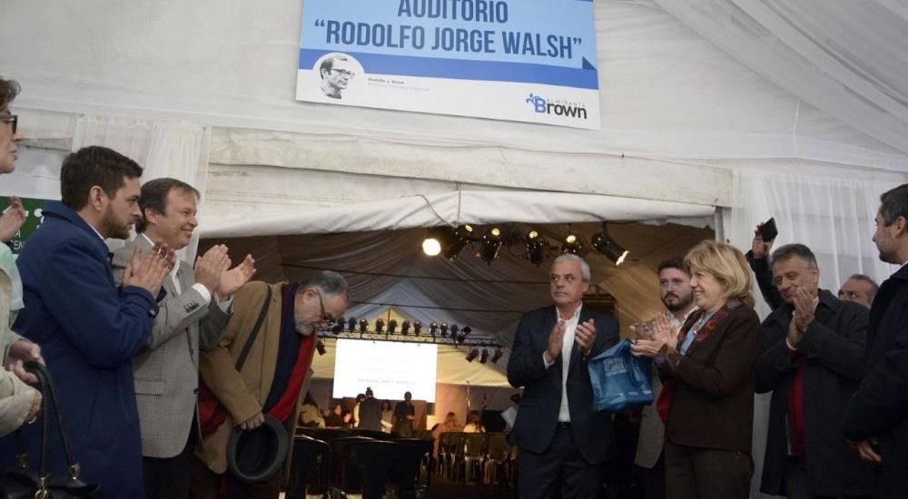 Cascallares inauguró la segunda feria federal del libro en Alte Brown