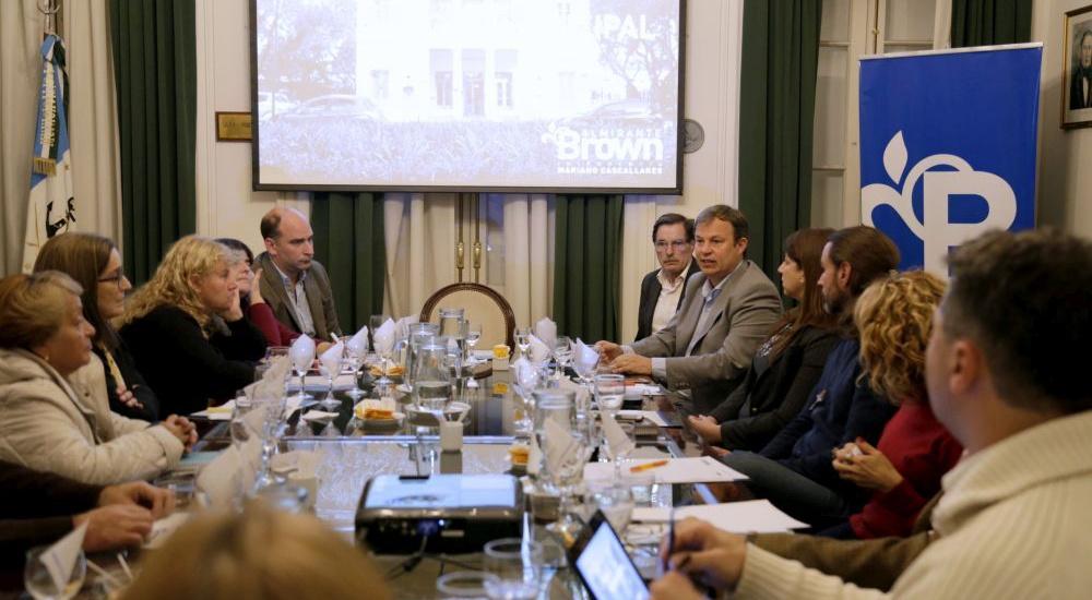 Encuentro de la mesa de diálogo  de salud en Alte. Brown
