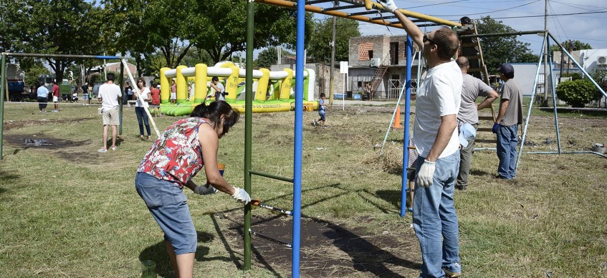 """El Programa """"El Municipio en los Barrios"""" llegó con obras y servicios a Claypole"""