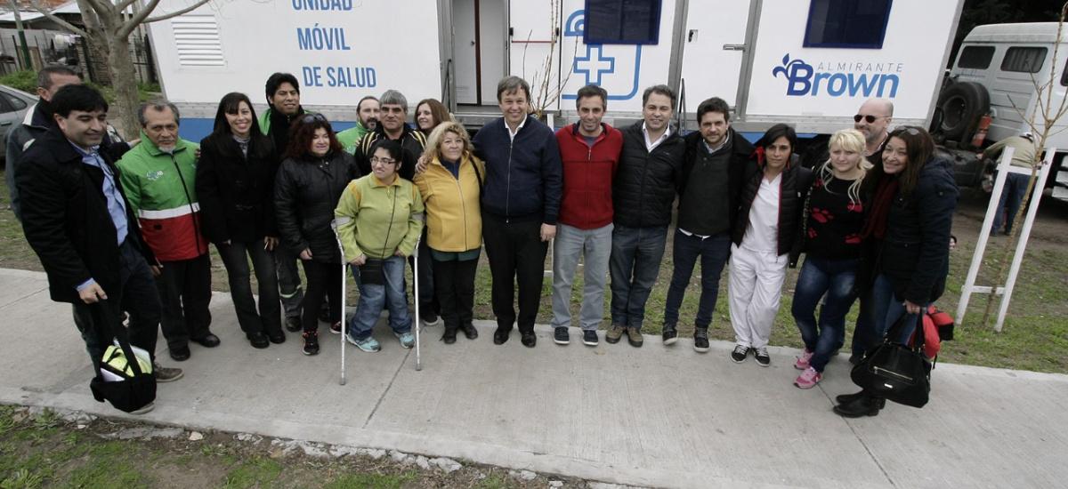 Los trailers de salud siguen recorriendo los barrios de Alte. Brown