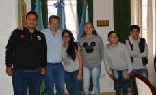 Alumnos de la escuela N° 21 de Burzaco entrevistaron al intendente Cascallares