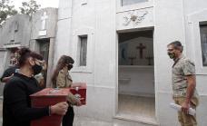 Emotivo homenaje: Trasladaron restos de héroes  de Malvinas a una bóveda especial del cementerio municipal